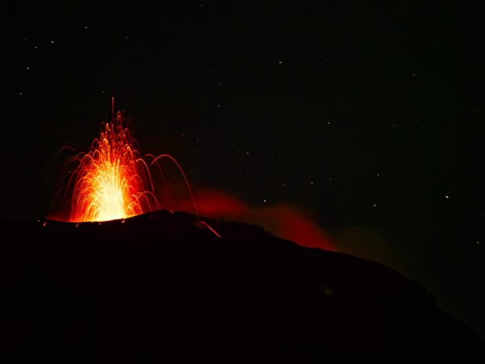 Stromboli Erutpion 2 705x529 - Start
